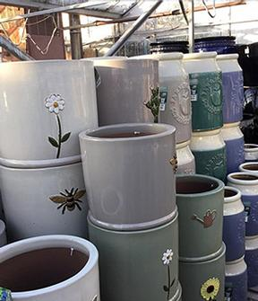 Gardening World Limited - Garden Centre Kent, Newington and Sittingbourne. Pots for plants. Terracotta and clay.